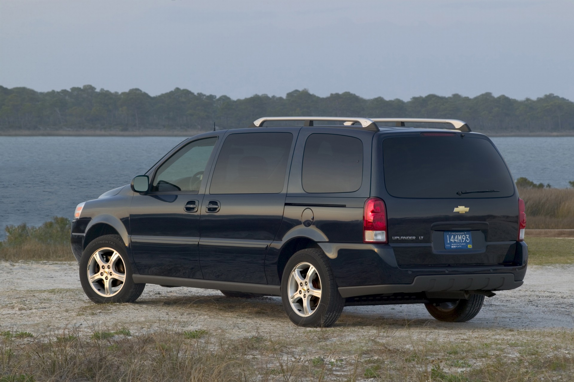 2007 Chevrolet Uplander Pictures  History  Value  Research  News
